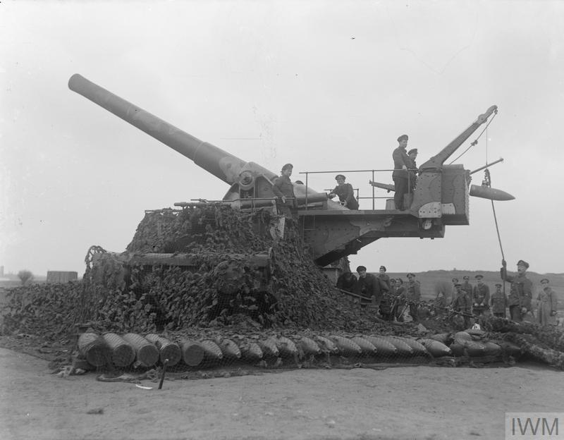 IWM Q 11593 British Railway Gun (Bethune April 1918)