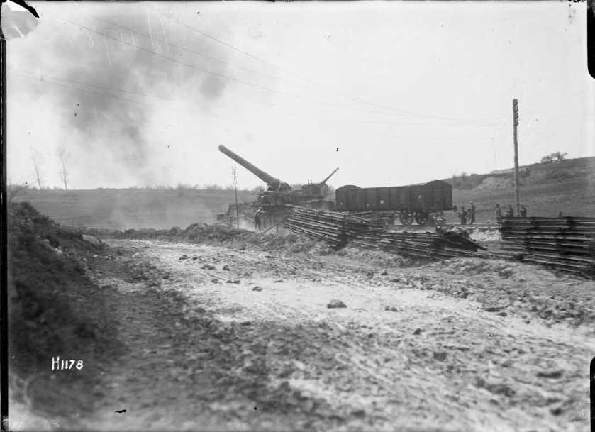 nlnzimage 12-013726-G Railway Gun 30 April 1918