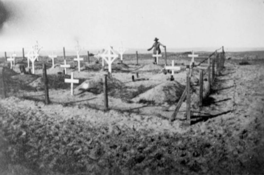 nlnzimage 1-4 009550-G Soldier's graves WW1 location unknown nd
