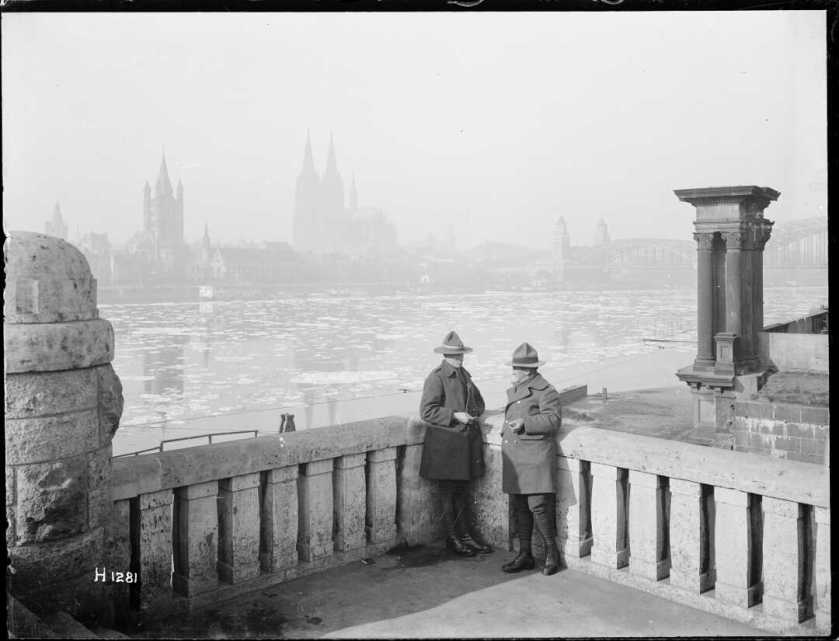 nlnzimage 1-1 002099-G NZ troops on leave in Cologne, by Rhine, Jan 1919