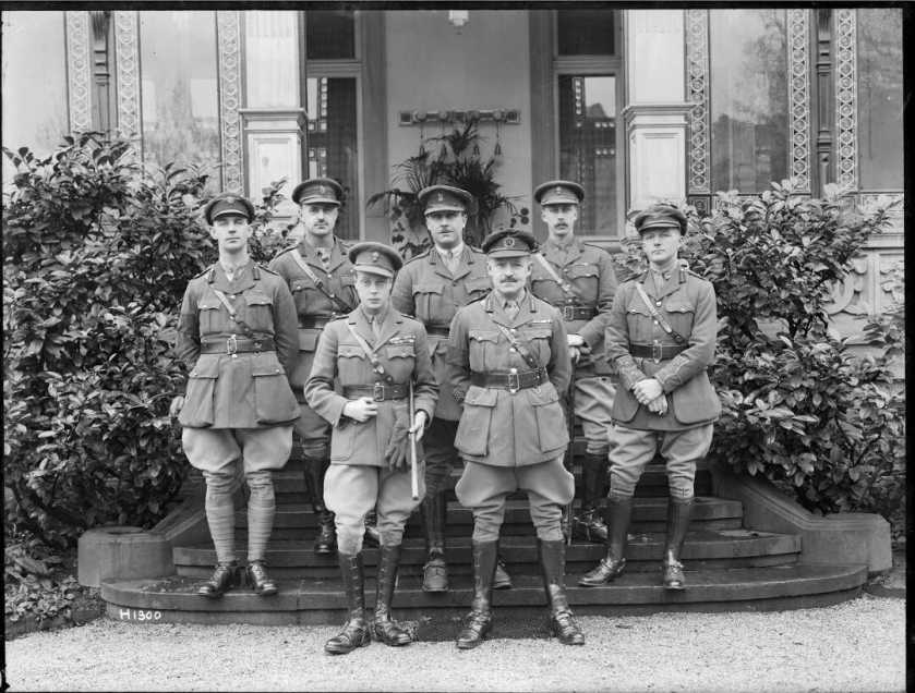 nlnzimage 1-1 002118-g prince of wales with russell & nz staff, jan 1919