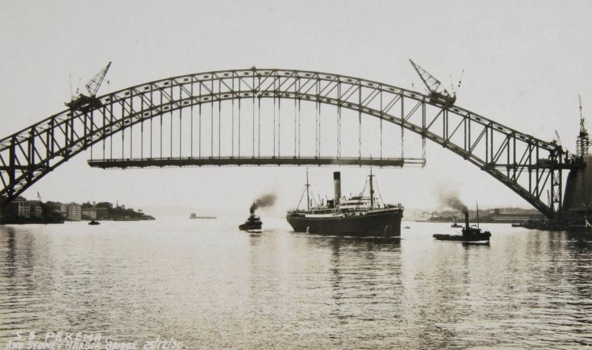 SS Pakeha & Sydney Harbour Bridge 25-12-1930